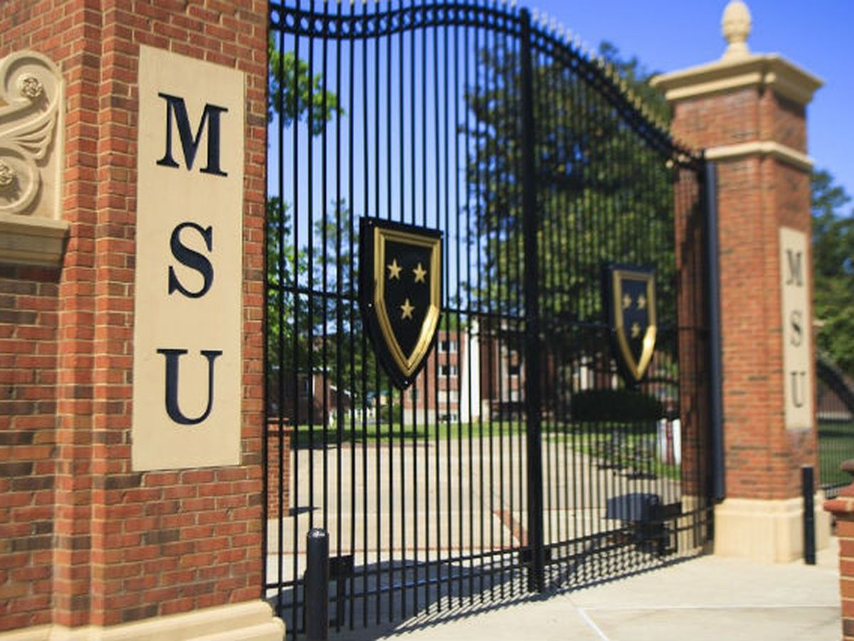 Woman dies after being struck by lightning at Murray State University