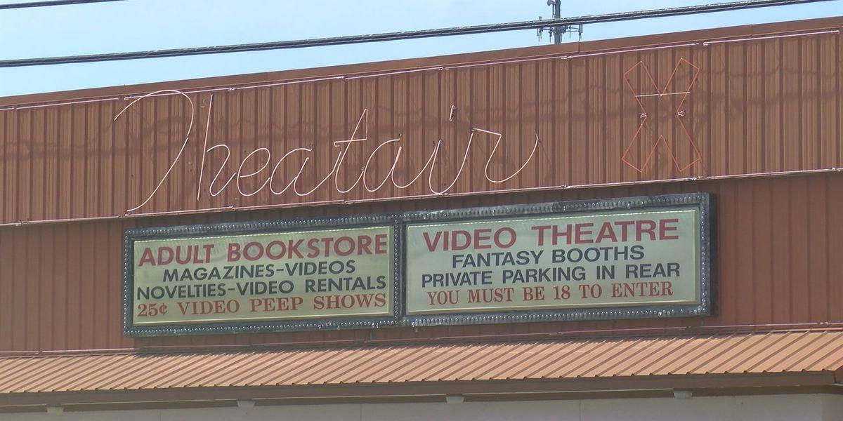 Clarksville bolsters adult business regulations