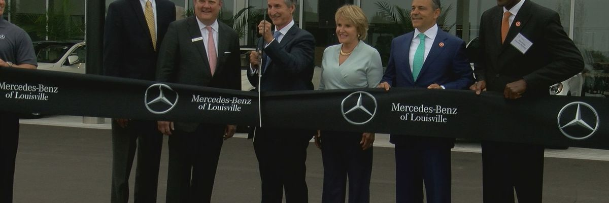 Gov. Bevin lends hand at Mercedes Benz of Louisville ribbon cutting