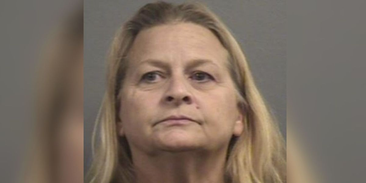 Woman arrested for distributing nude photos at school