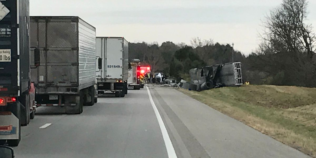 1 dead in crash on I-64 near Frankfort