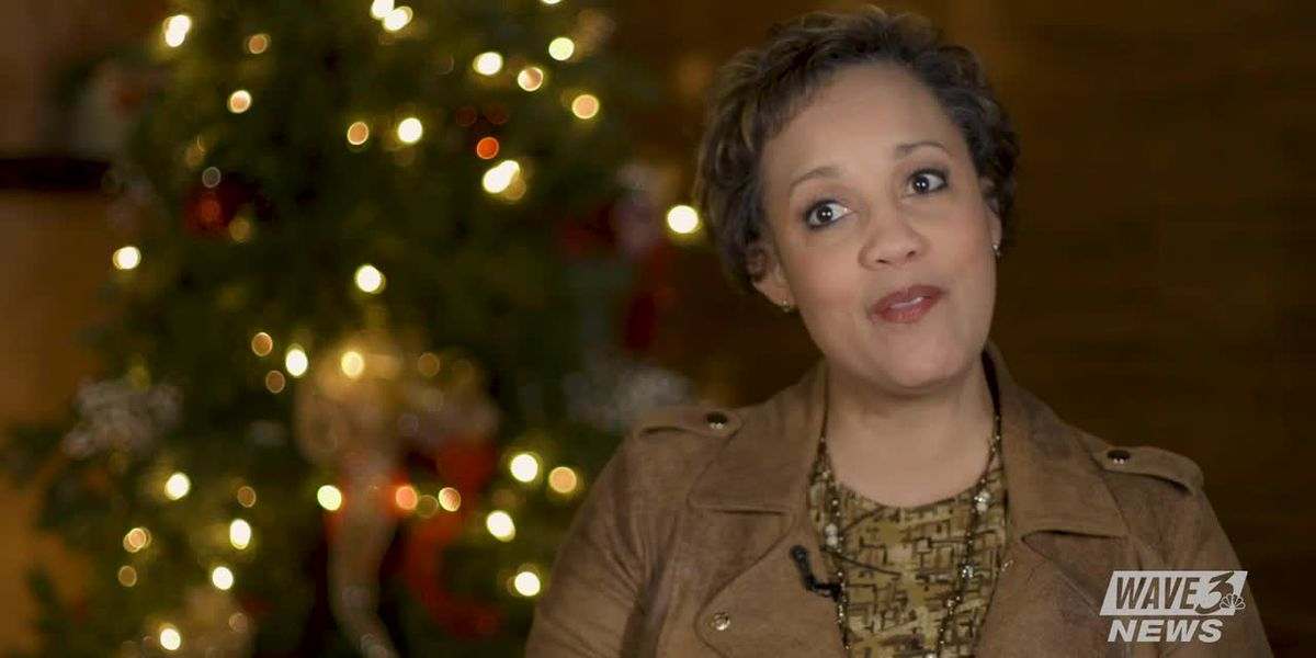 What is Dawne Gee's favorite holiday tradition?