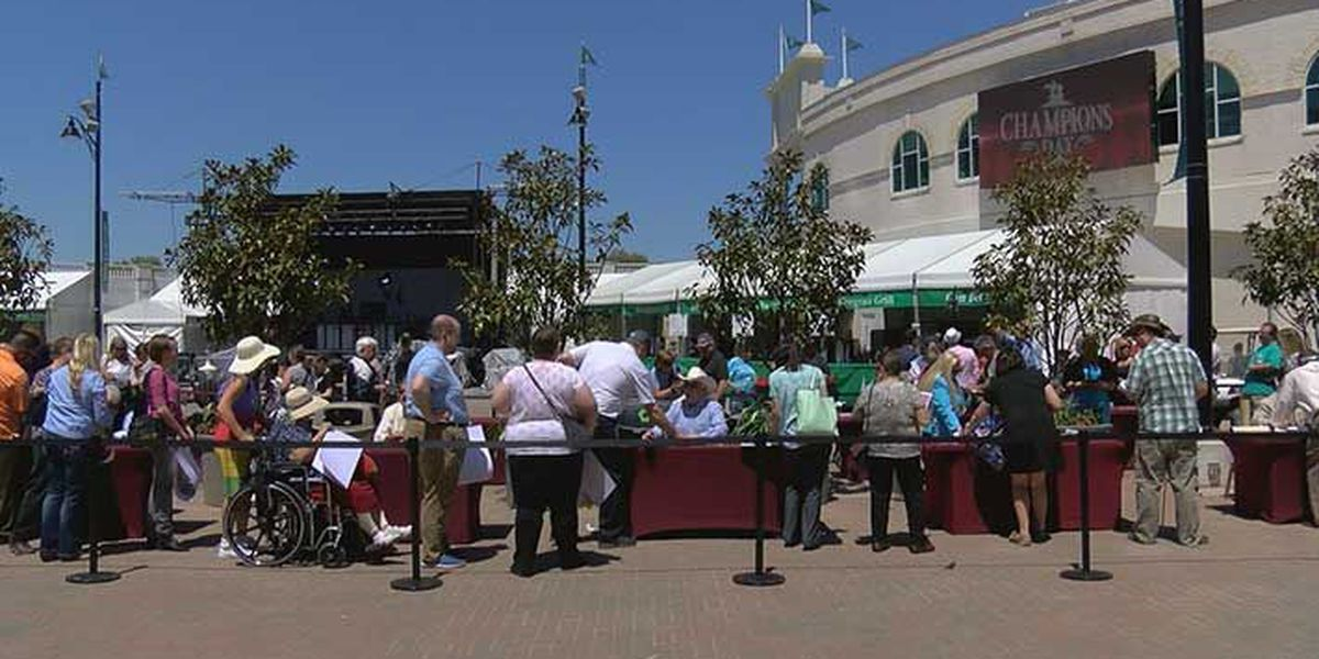 Champions Day a big hit with fans at Churchill Downs