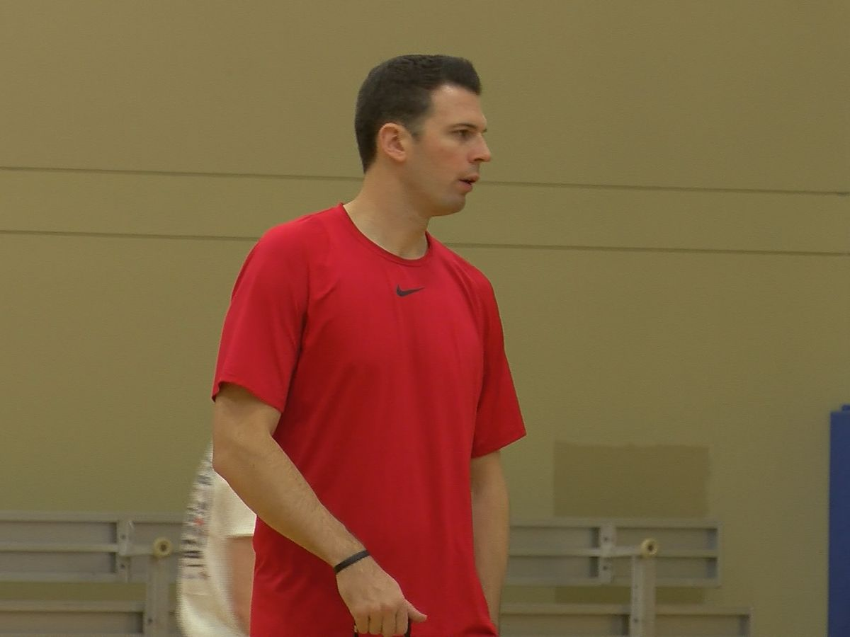David Padgett becomes volunteer coach at North Oldham Middle School