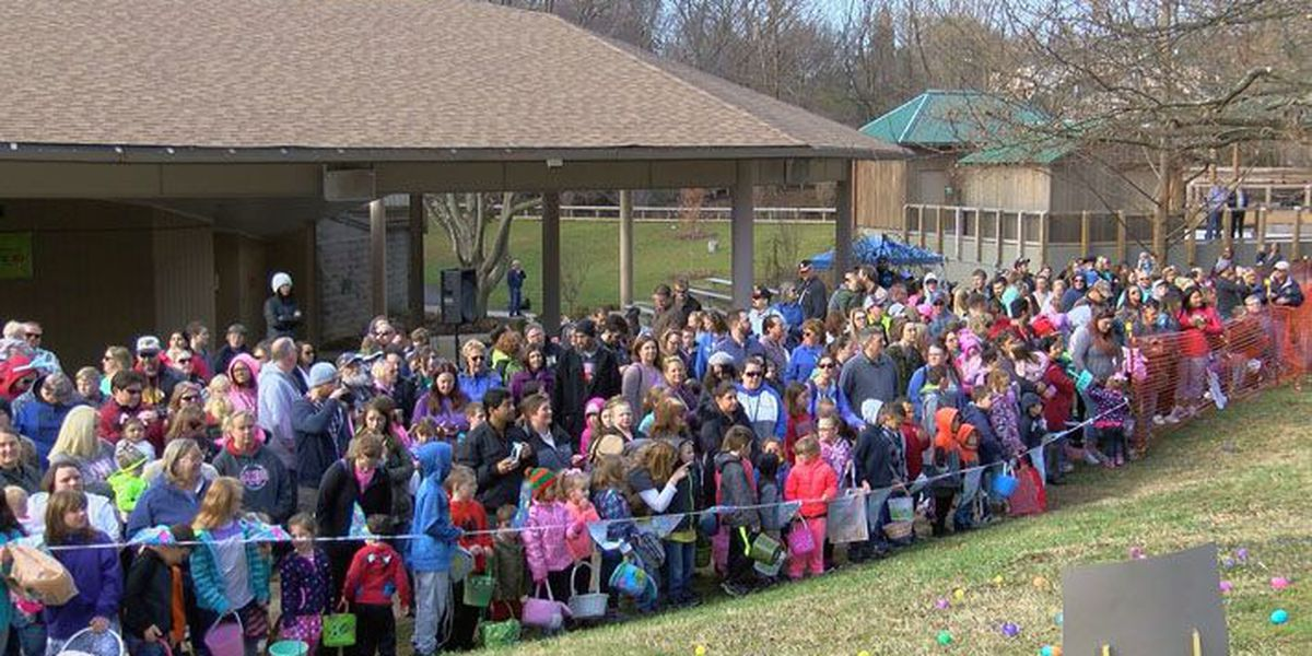 Kids hunt for Easter eggs at Louisville Zoo