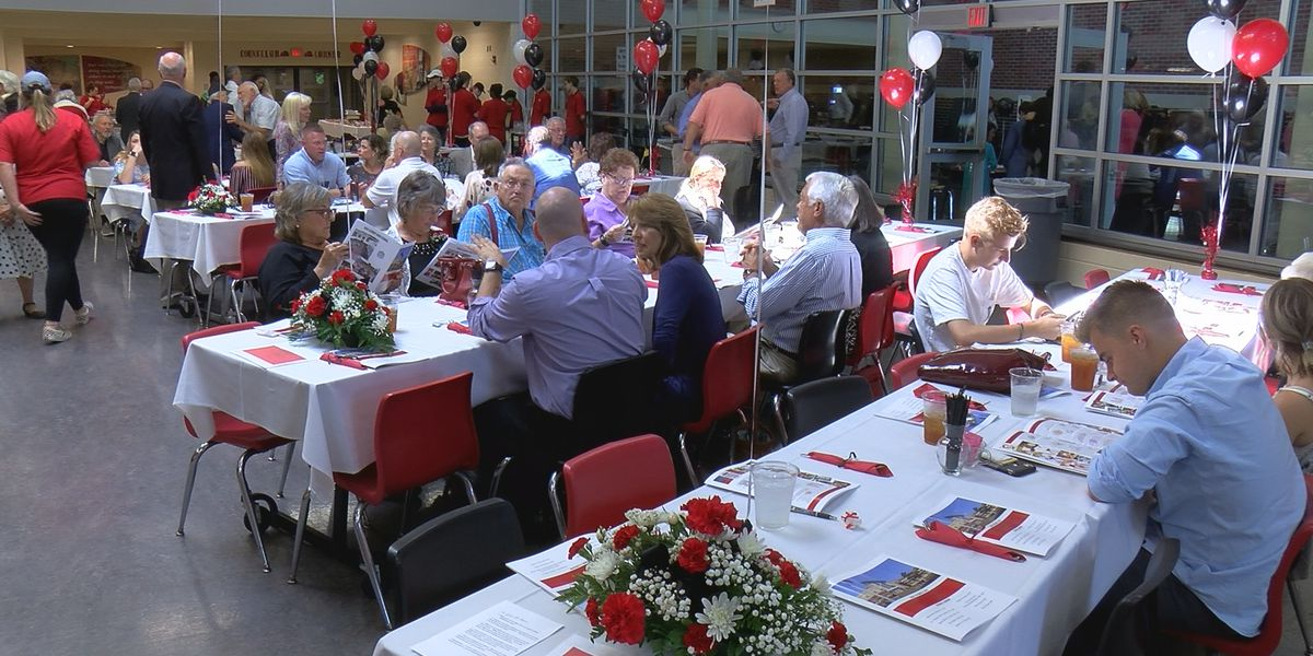 Hall of Fame luncheon at New Albany High School honors former students