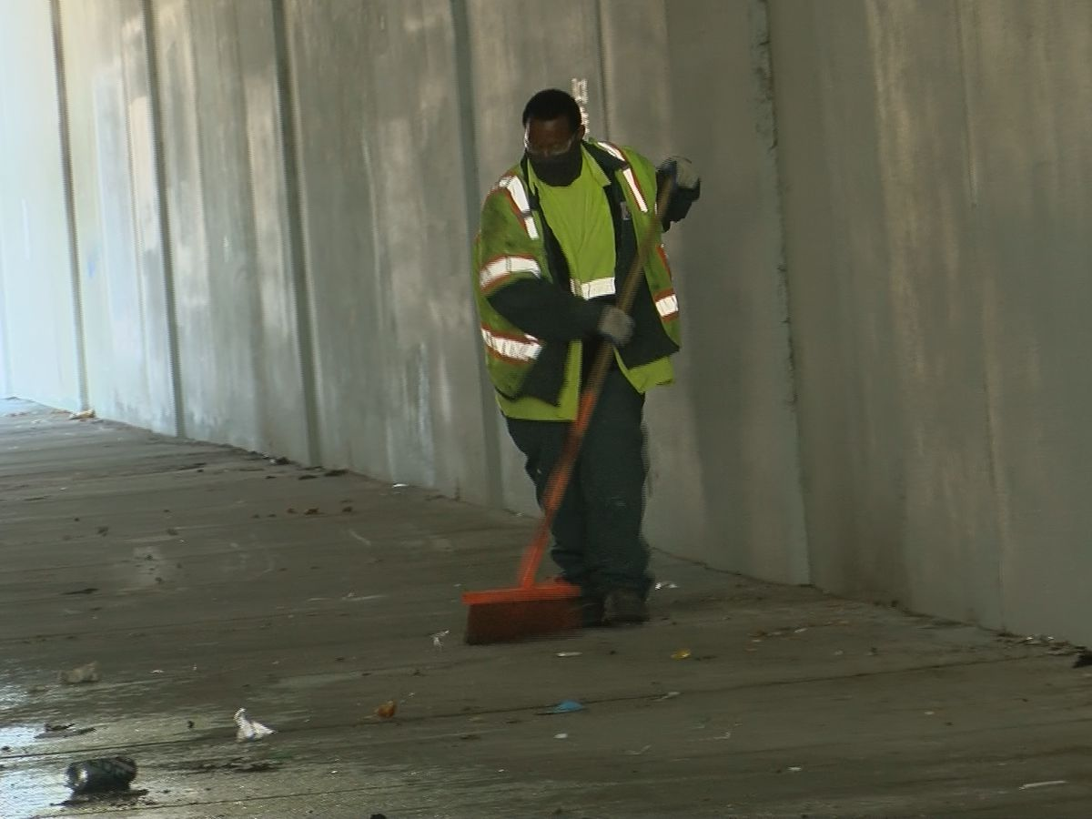 Louisville starts cleaning up downtown homeless camps