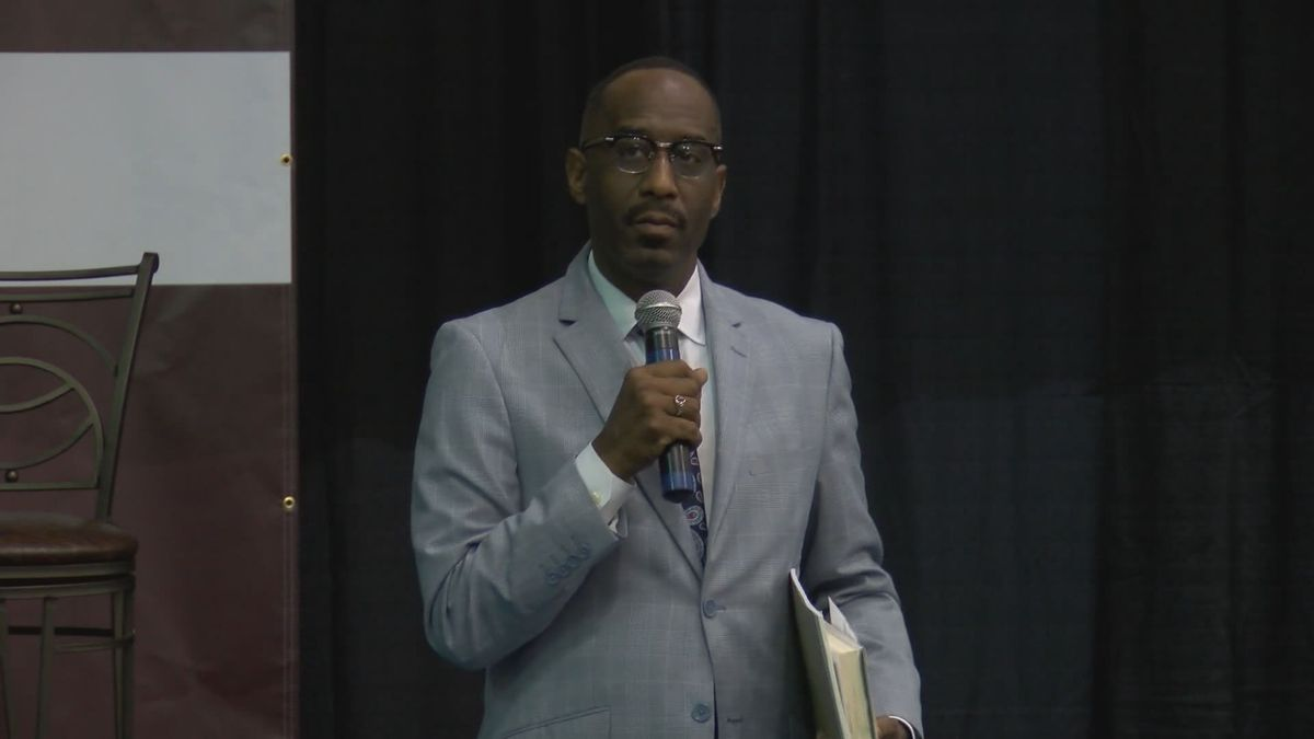 LMPD chief opens investigation into traffic stop of Simmons College president
