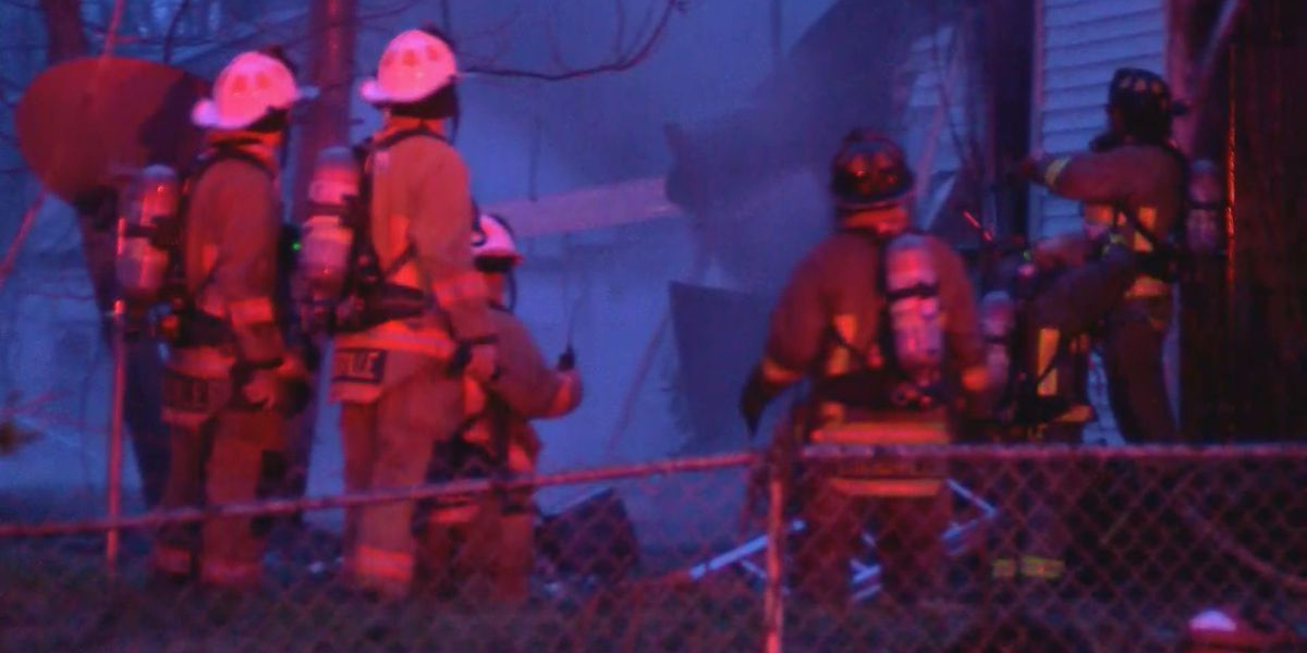 Firefighter injured while fighting flames in vacant home