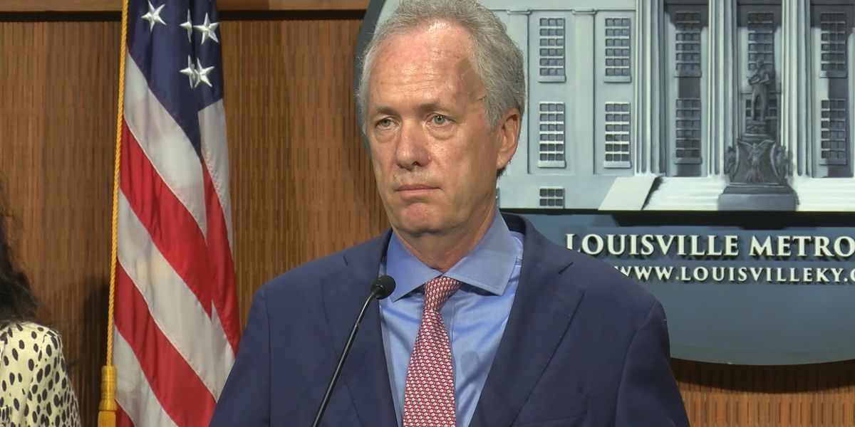 Republican councilmembers ask Mayor Fischer to resign with resolution; Democratic member calls it 'a colossal waste of time'