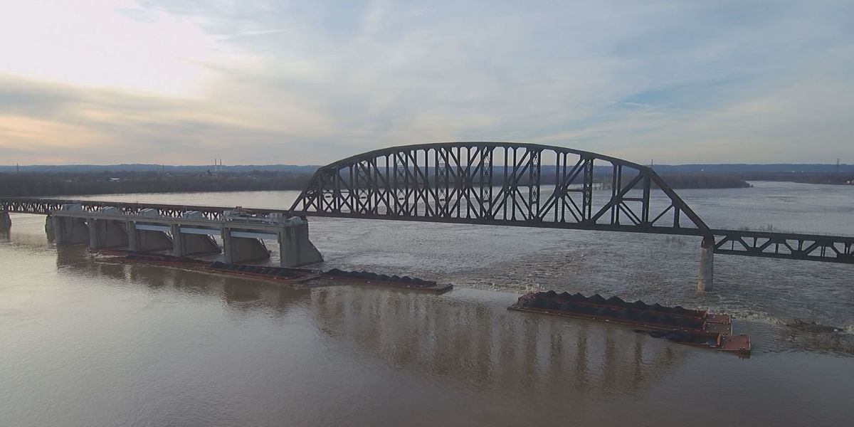 Ohio River reopens after tugboat, coal barge accident
