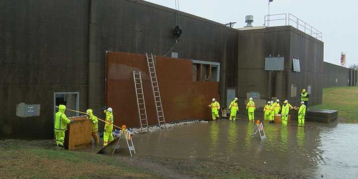 MSD begins to close floodwall openings to keep Louisville dry
