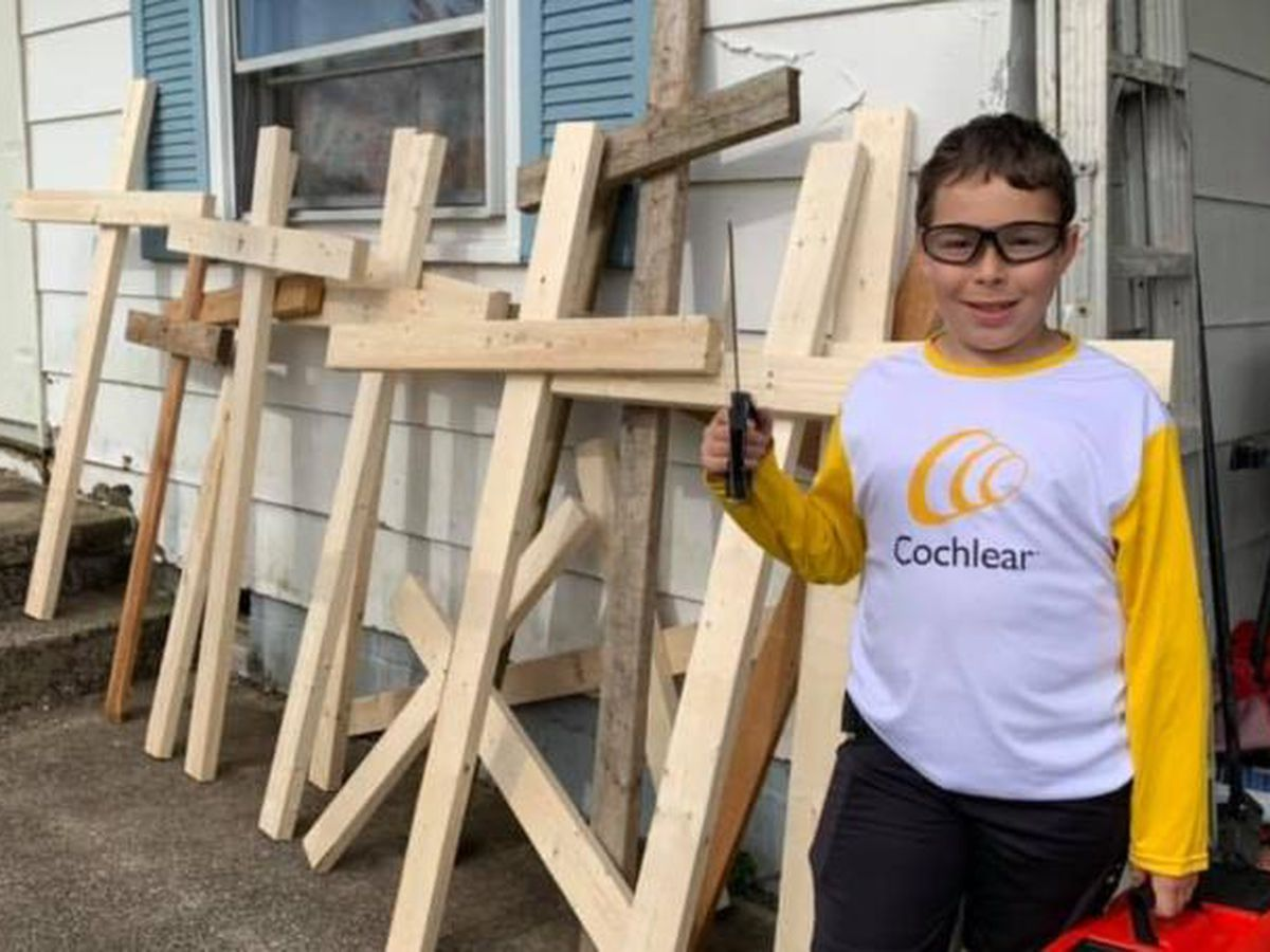 Clark County student creating crosses for neighbors, townspeople