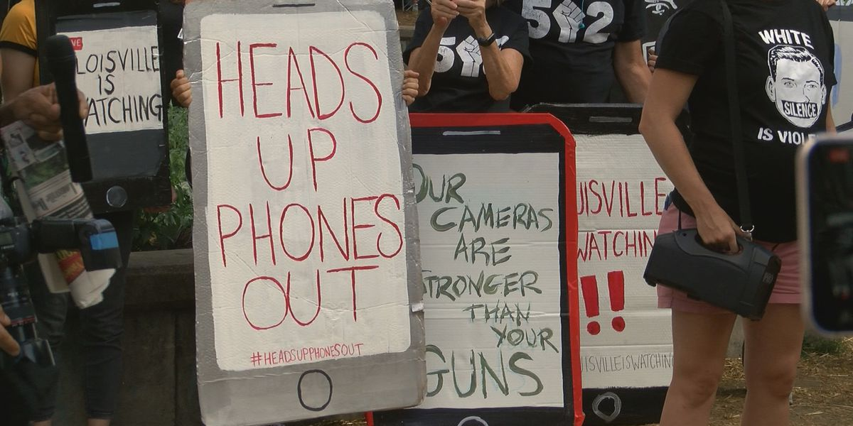 'Heads up, phones out': Independent journalists, supporters march on LMPD headquarters