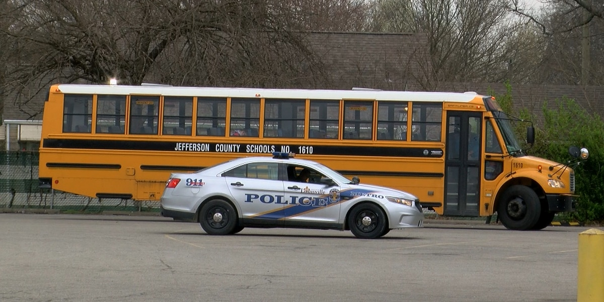 JCPS bus involved in minor crash