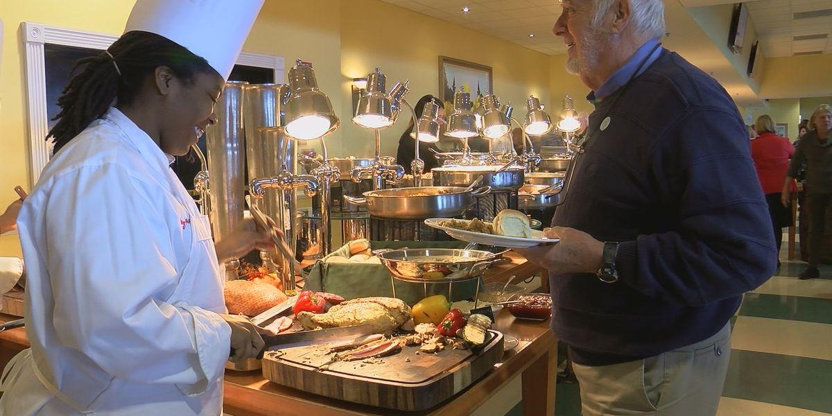 Hundreds empty pockets, fill stomachs at Churchill Downs on Thanksgiving