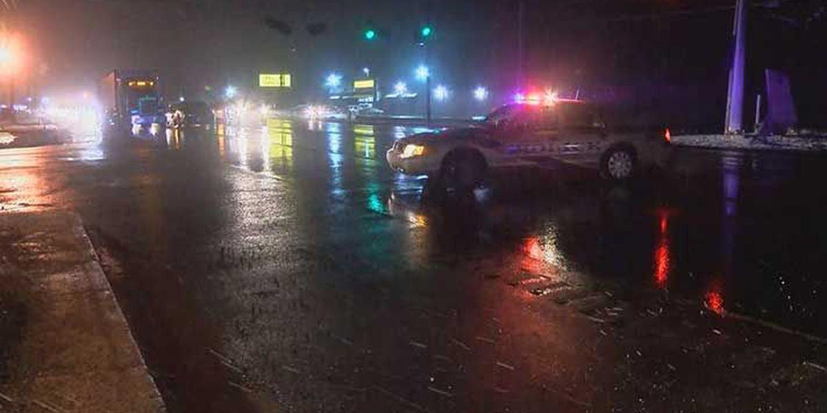 Pedestrian struck, killed on Dixie Highway