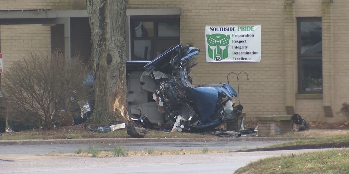 Teen brothers killed in weekend crash; scene wasn't found for hours