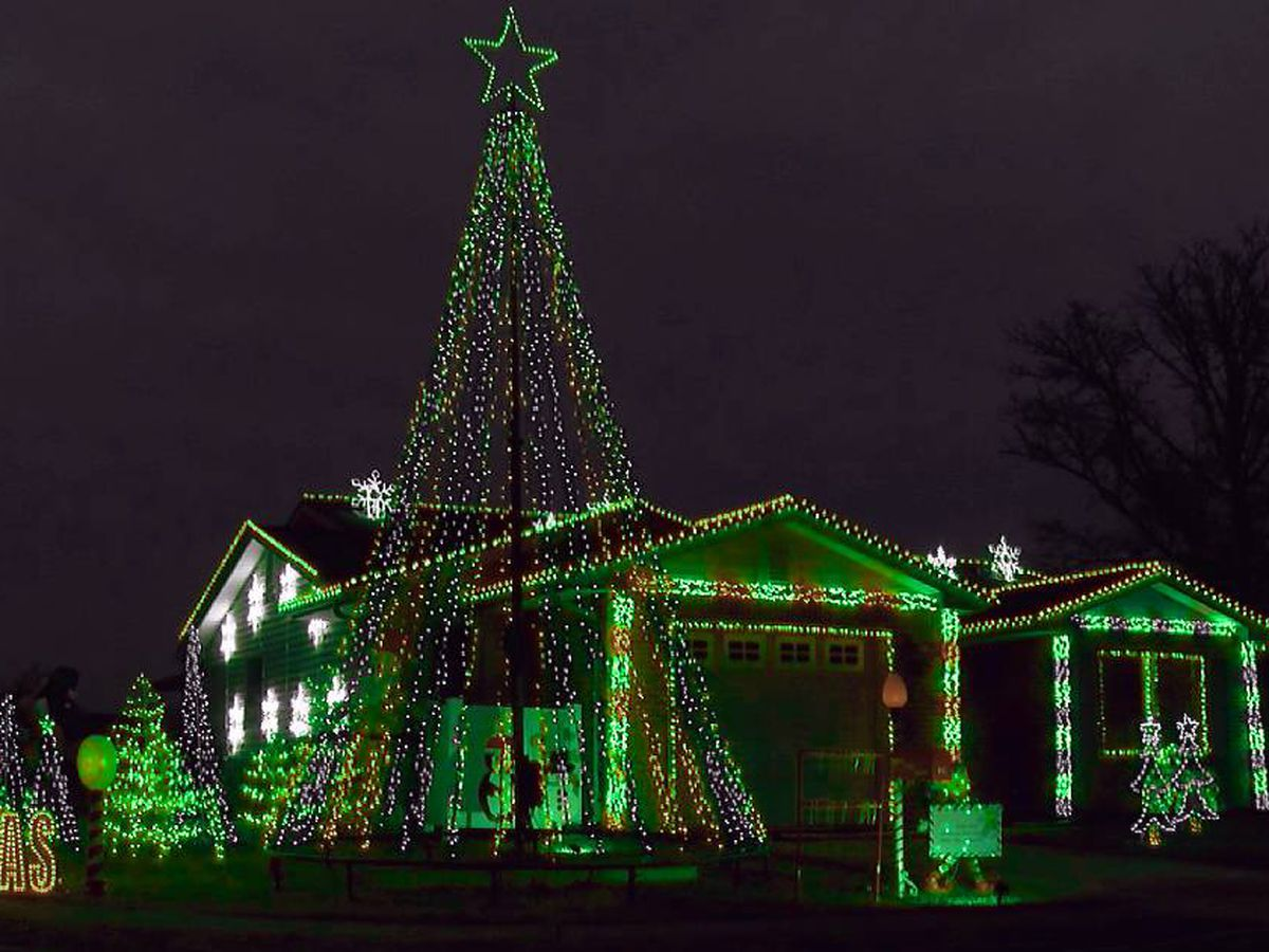 Fort Knox family spreading holiday cheer with massive light display