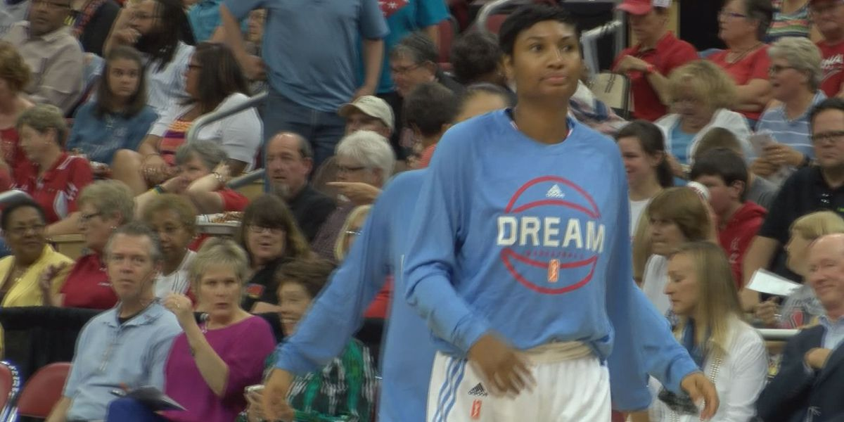 McCoughtry's 32 Leads Dream to Win