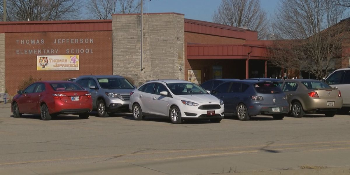Suspicious bag delays start of Clark County elementary school
