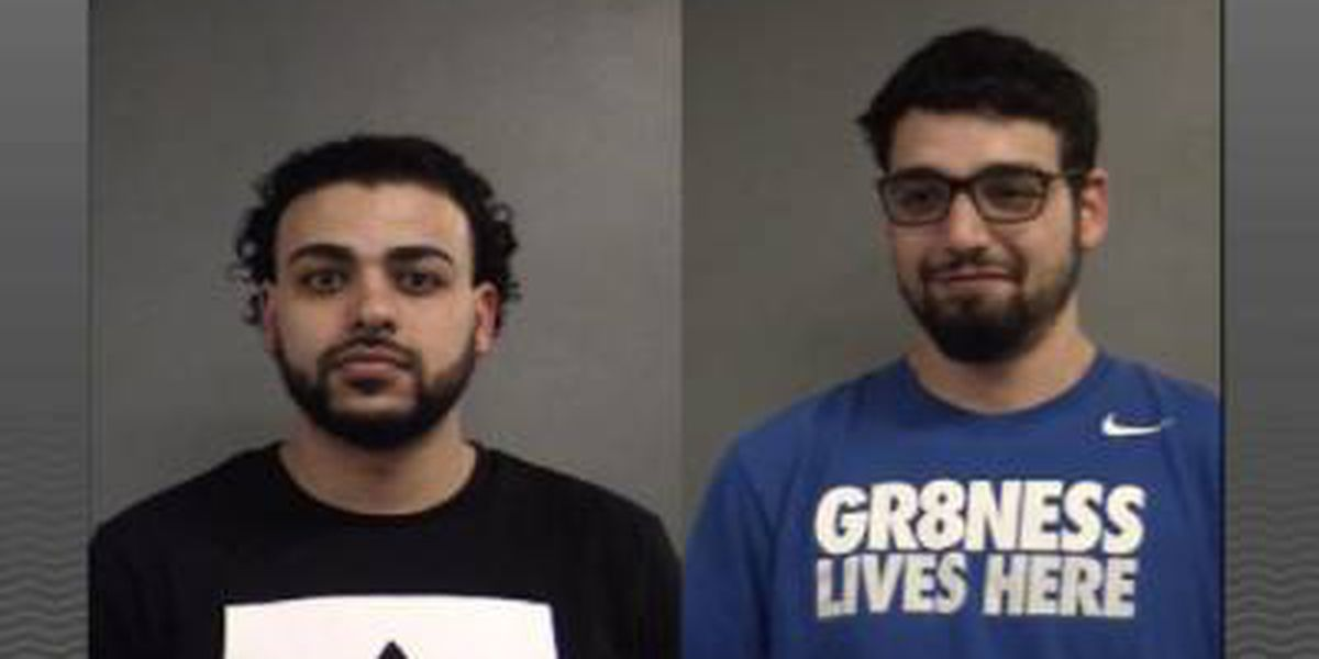 2 liquor store employees accused of purchasing stolen liquor