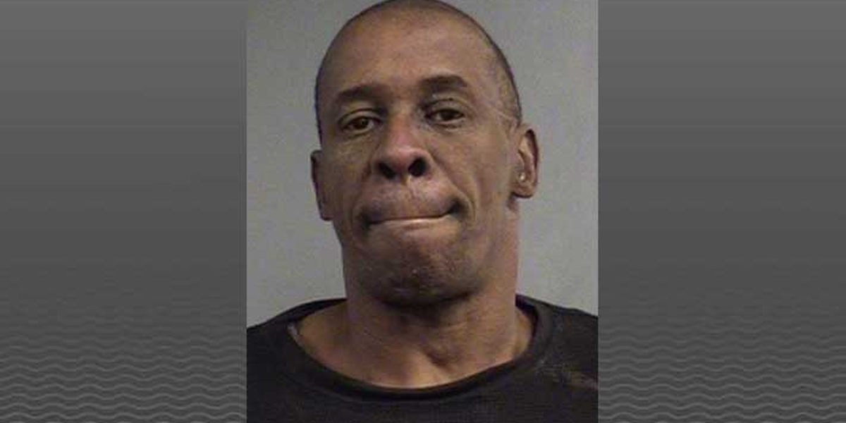 Police: Man stole from Thornton's, fought off-duty officer in middle of street