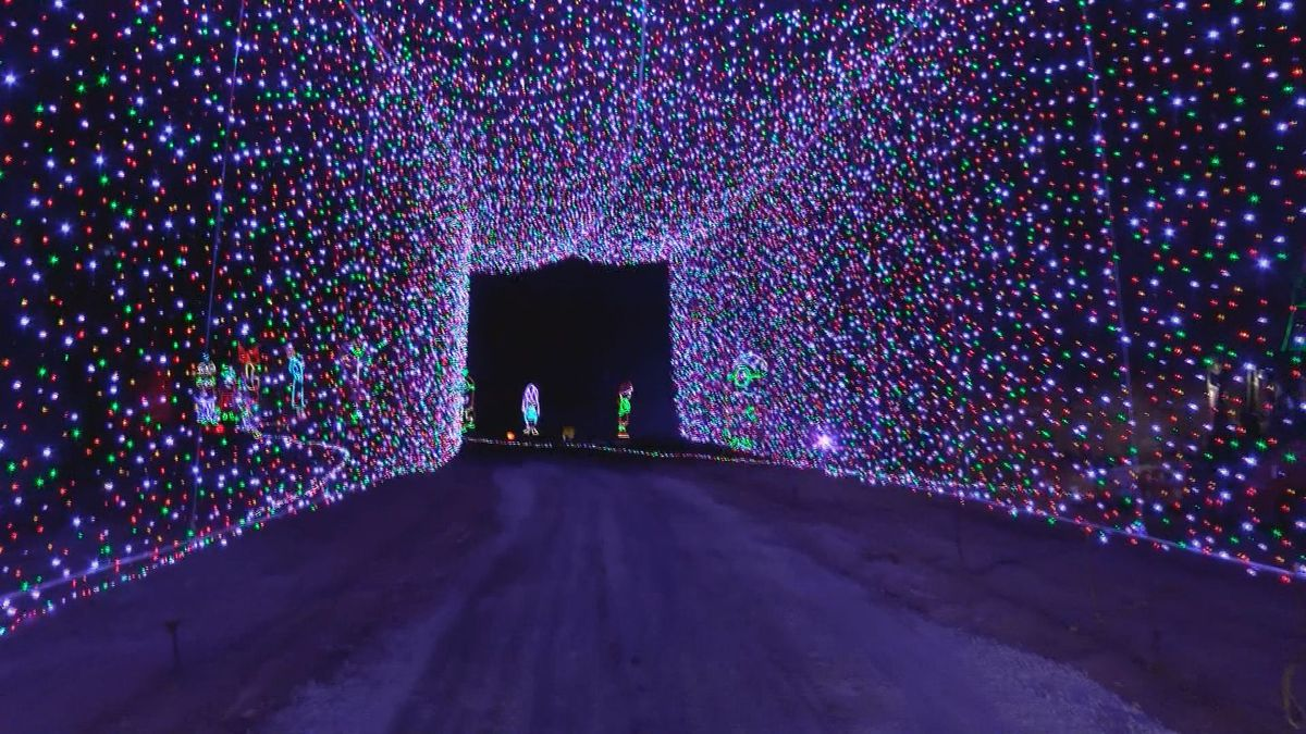 Mega Cavern Christmas Lights.Lights Under Louisville Expecting Another Record Season With