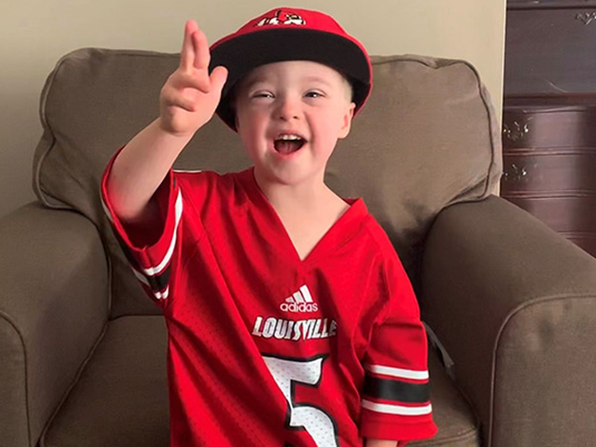 Cards planning special halftime show for 4-year-old superfan