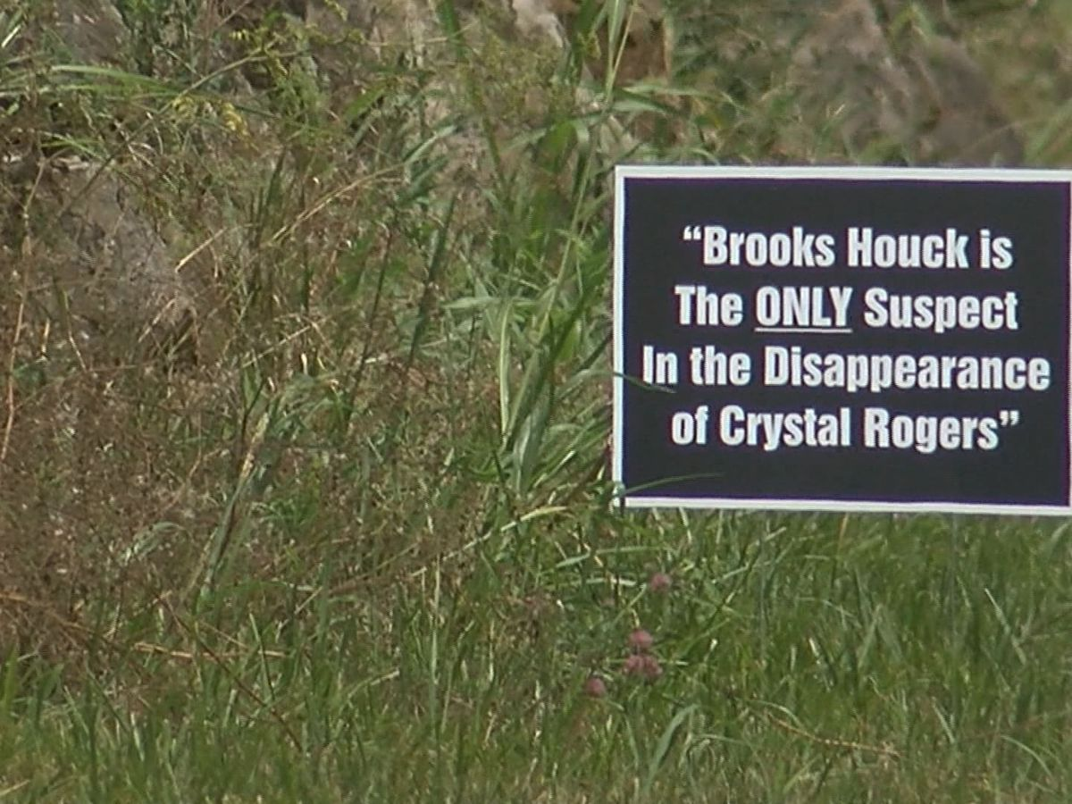 Crystal Rogers: Signs pop up in Bardstown targeting suspect in her disappearance, murder