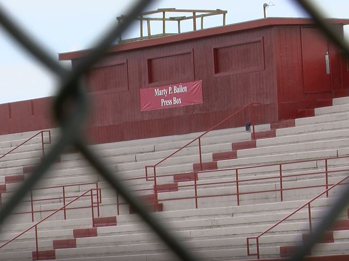 Fans vow to follow Ballard Bruins through season with no home games