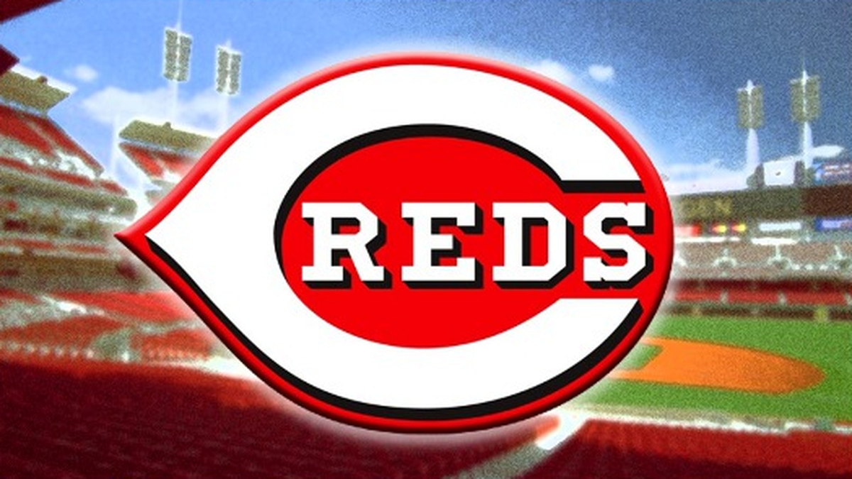 Reds secure first playoff berth since 2013 with win over Twins