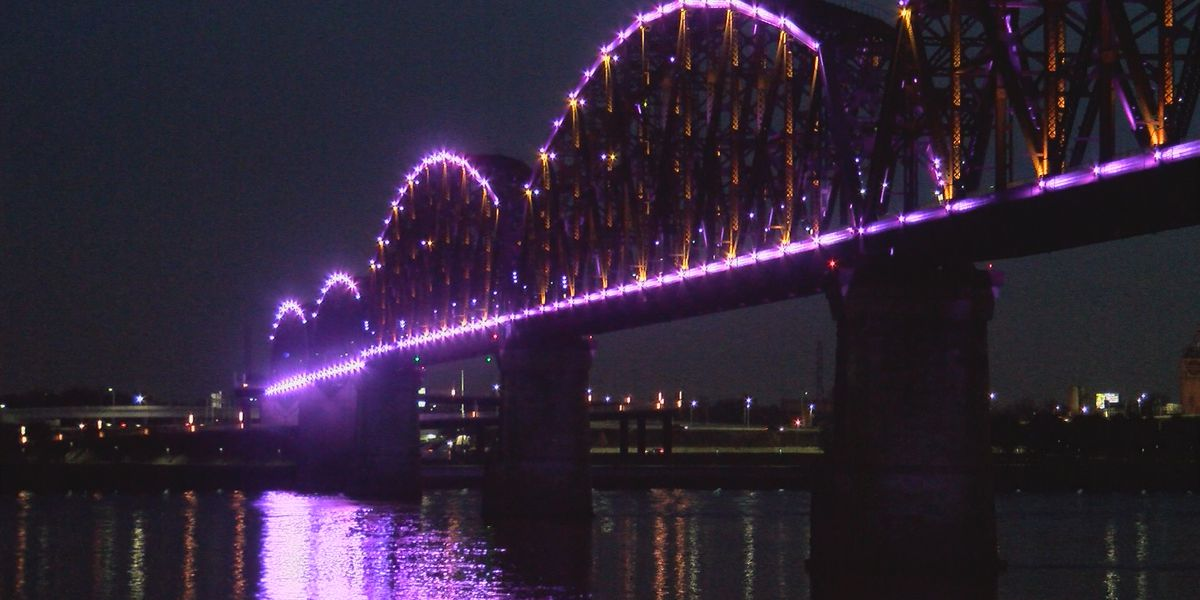 Big 4 Bridge lights up to remember Wayne Estopinal