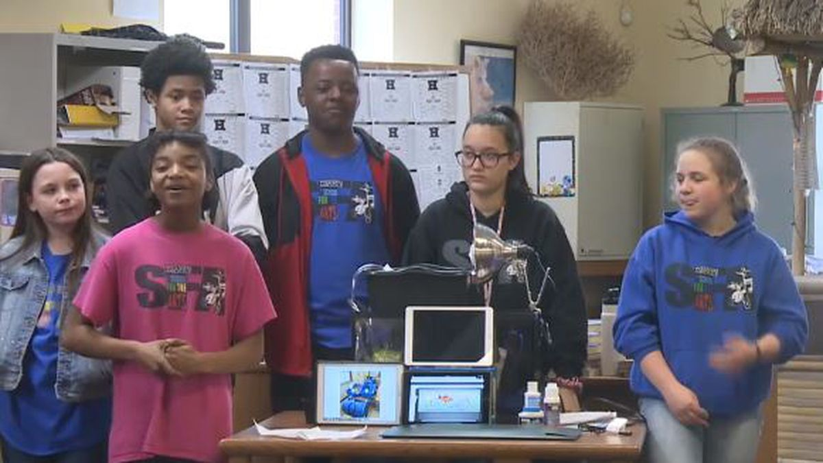 Jefferson County students show off aquaponics system at Hazard Middle School