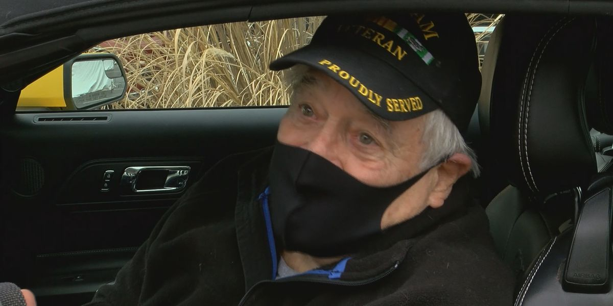 Former WAVE 3 sports anchor among first veterans to get COVID-19 vaccine