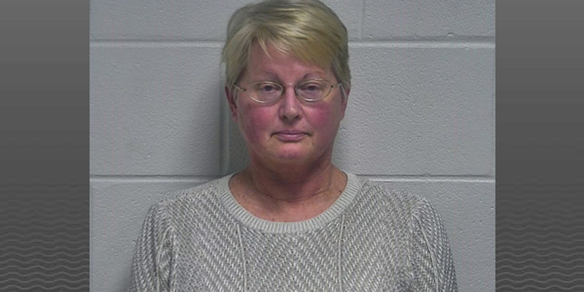 Oldham County school bus driver arrested for DUI after bus crashes with students on board