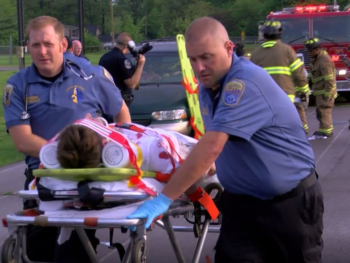 Mock DUI crash reminds students of dangers of drunk, distracted driving