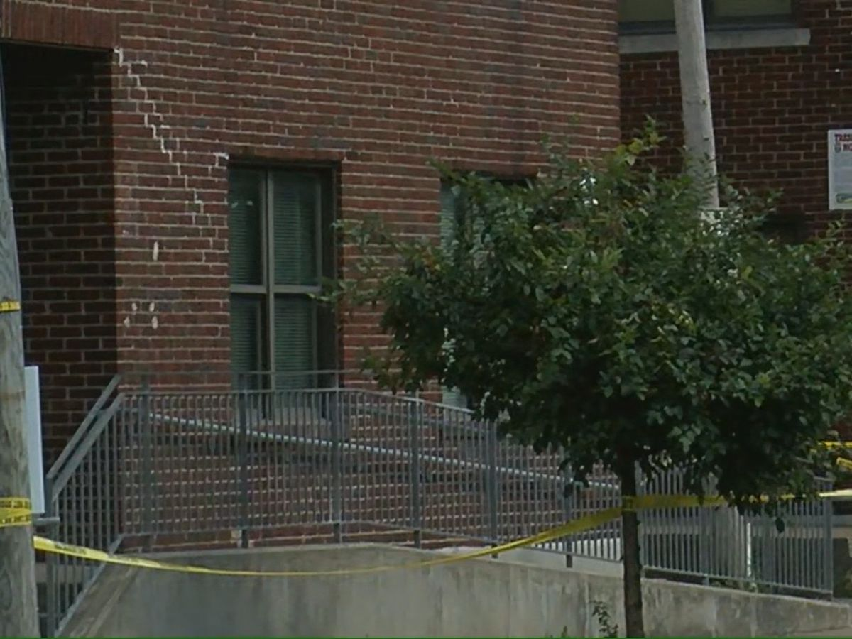 Crews board up apartment where 2 people were found dead on Sunday