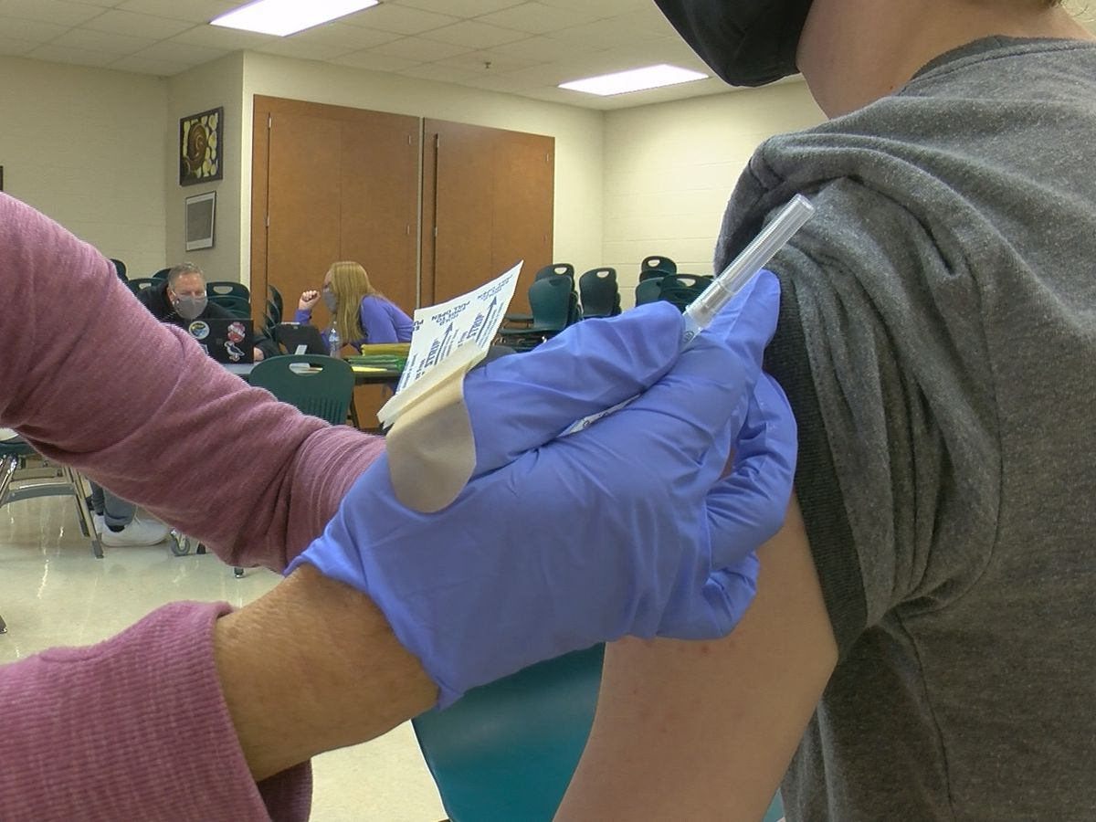 Over 100 New Albany Floyd County students vaccinated at in-school clinics