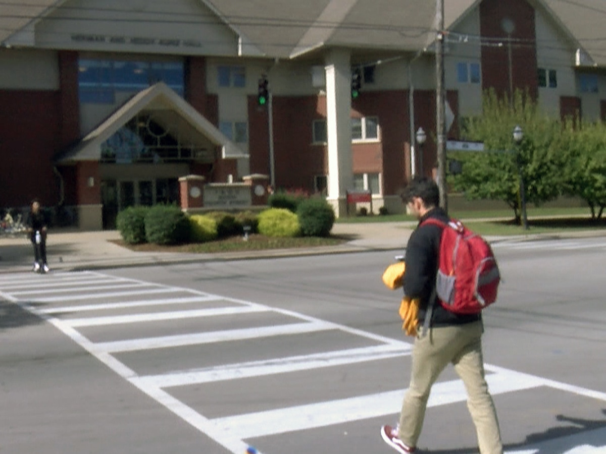 No parties, more virus testing: UofL students, staff prepare for unconventional return to campus