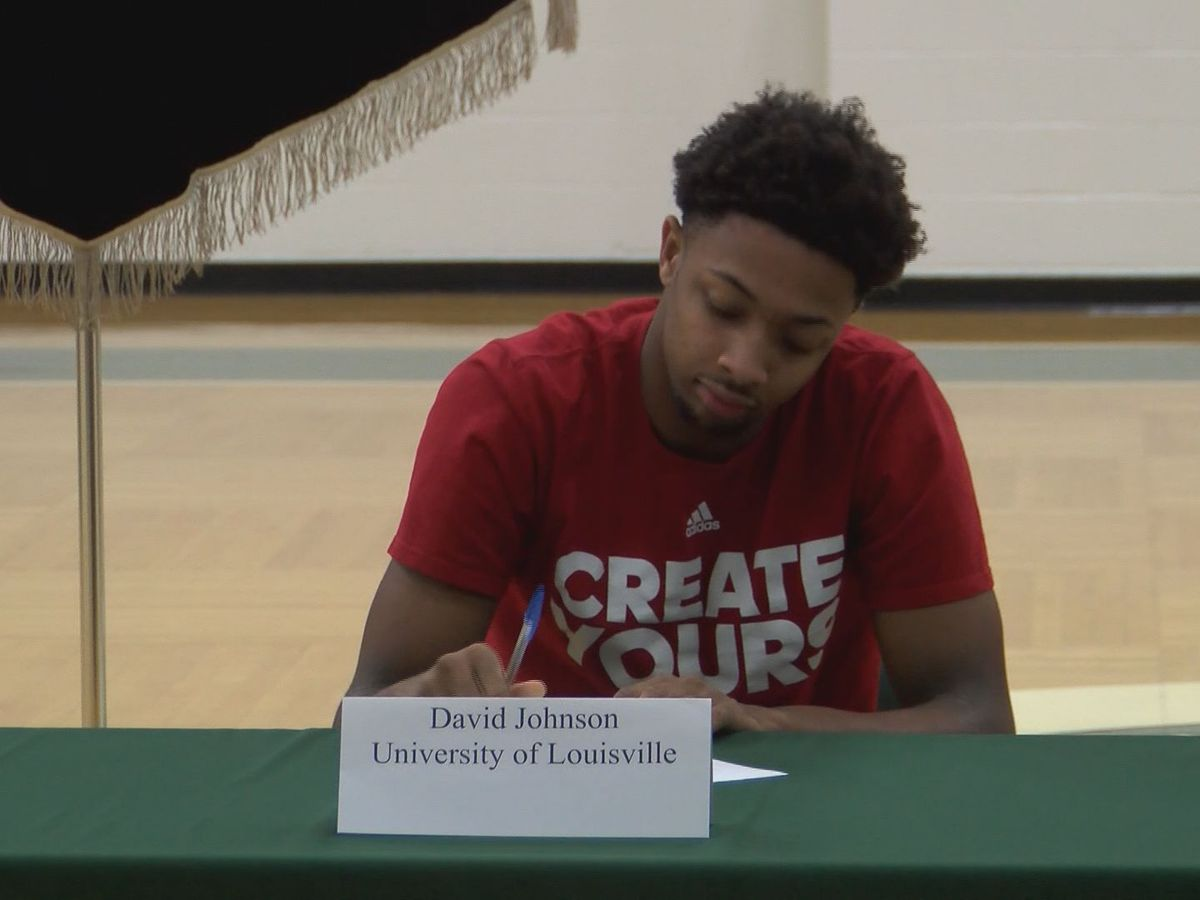 Trinity star David Johnson signs with UofL