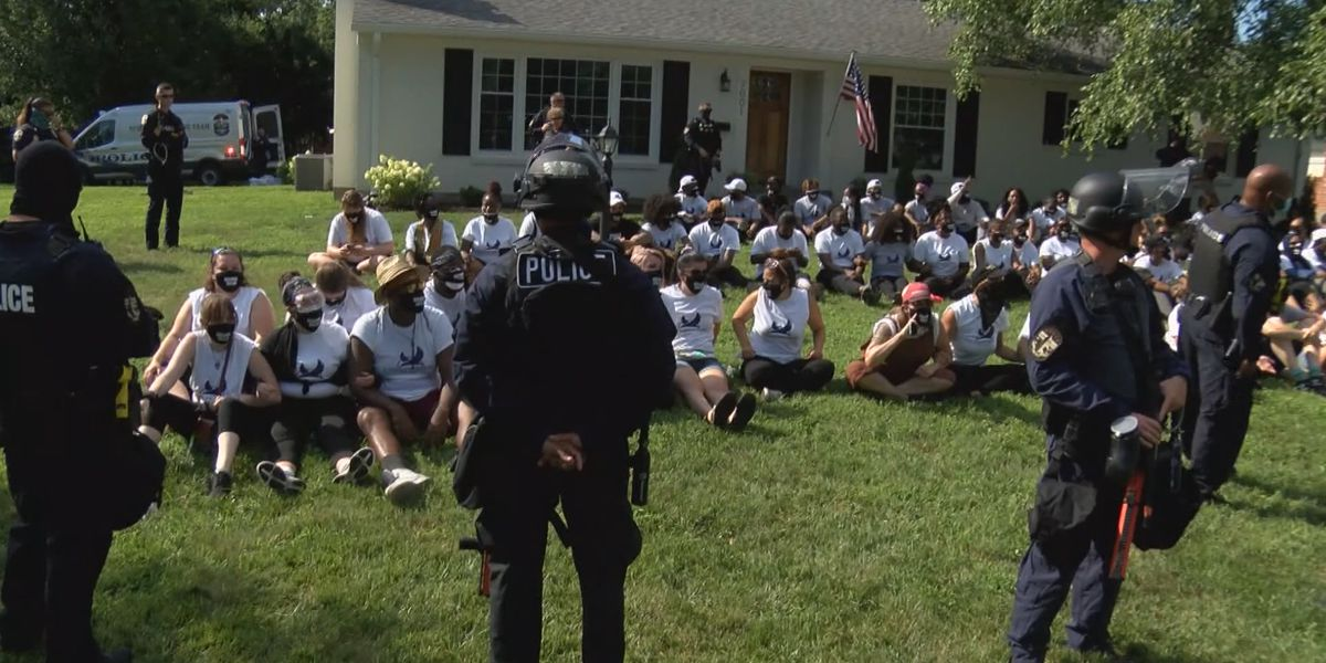 Lawyers, protesters say no felony was committed on Daniel Cameron's lawn