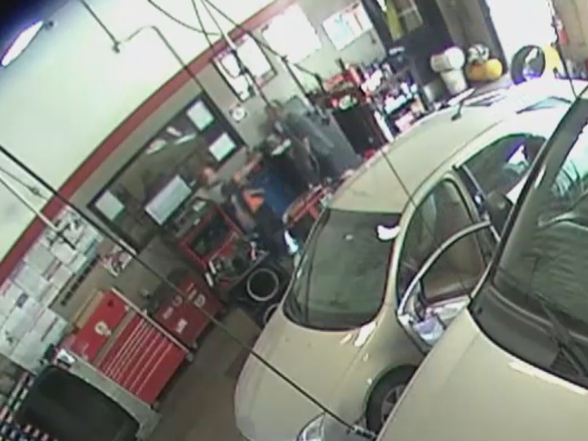 EXCLUSIVE: Surveillance video shows deadly encounter inside of Jeffersonville Big O Tires