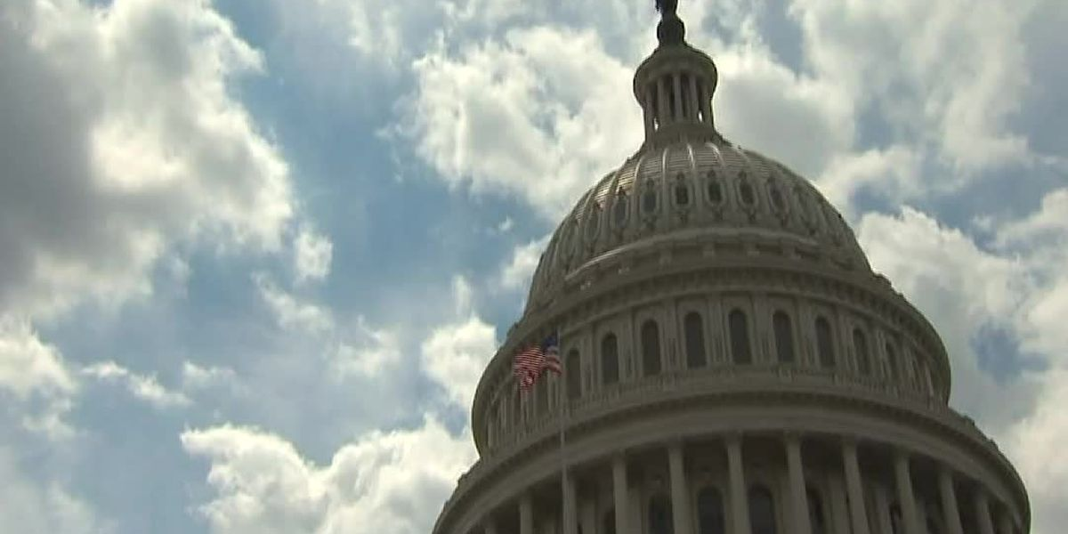 As Congress fights, analysts warn economy needs help now