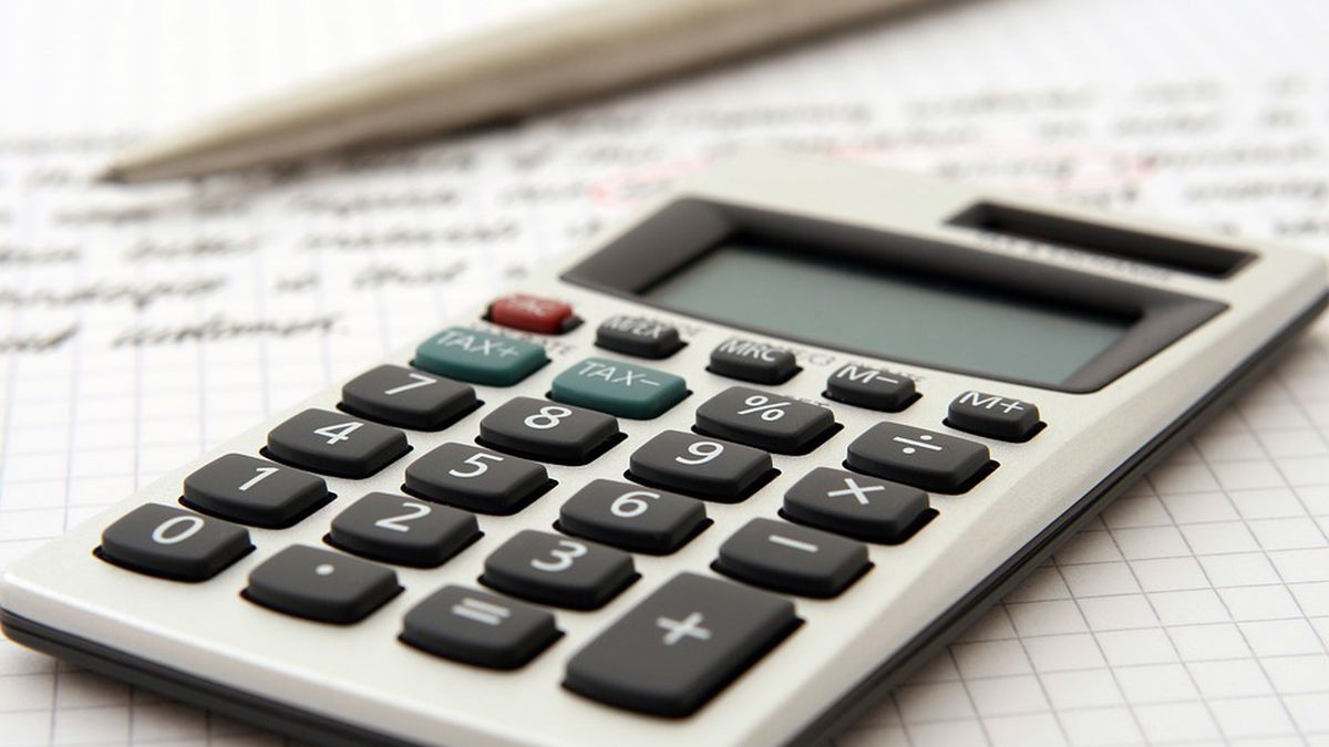 Financial professionals offer advice for later tax filers