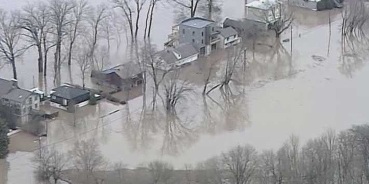 River claims homes in East End of Louisville