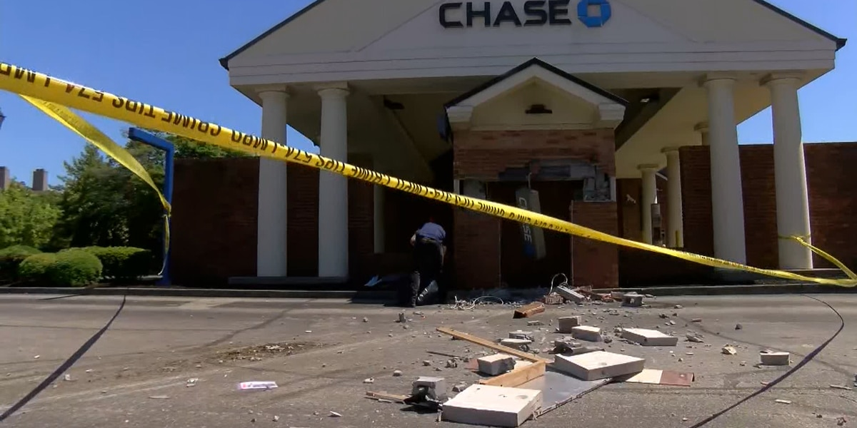 Police investigating after attempted ATM theft at Holiday Manor bank
