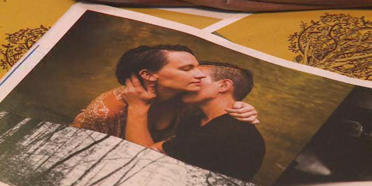 Photo of homosexual couple causes stir in Somerset