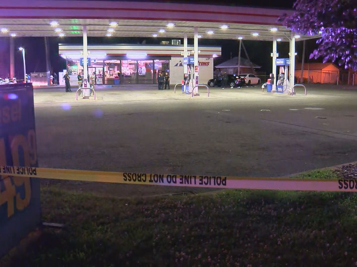 LMPD: 1 person killed, 3 others injured in shooting on West Hill St.