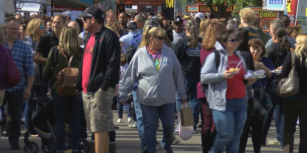 Food, craft booths open as Harvest Homecoming gets into full swing